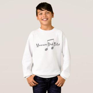 Le sweatshirt du garçon de duo (notes)