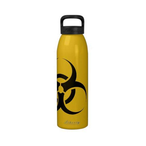 Le symbole de Biohazard, boivent à vos risques et  Bouteilles D'eau