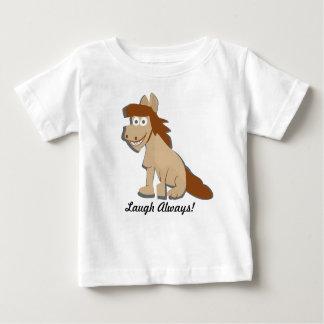 Le T-shirt actionné par cheval pour des enfants