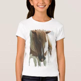Le T-shirt adapté de la fille de cheval sauvage de