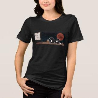 Le T-shirt convenable détendu des femmes de