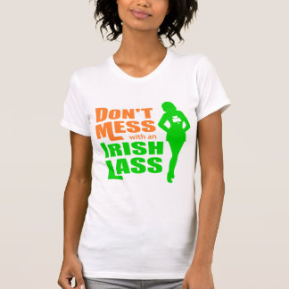 Le T-shirt d une jeune fille irlandaise de femmes