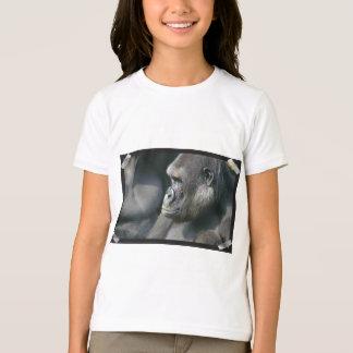 Le T-shirt de la fille de gorille de montagne