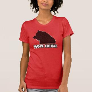 Le T-shirt de la mère Rouge-Modelée par ours de