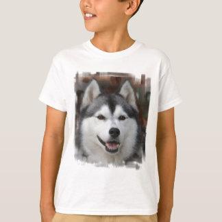 Le T-shirt de l'enfant enroué de chien