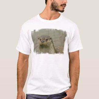 Le T-shirt de rivière des hommes géants de loutre