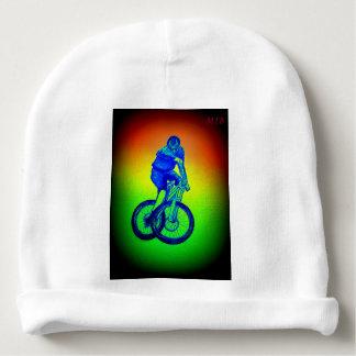 Le T-shirt de vélo de montagne de garçons présente Bonnet De Bébé