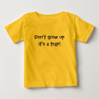 Le T-shirt d'enfants drôle ne le grandissent pas