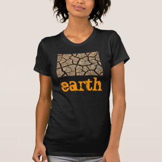 le T-shirt des femmes annonçant notre terre