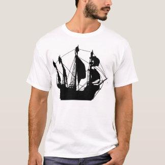 Le T-shirt des femmes déchirées en lambeaux par