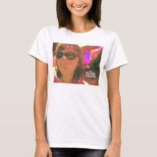 le T-shirt des femmes ultra-violettes de fille de