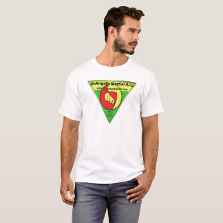 Le T-shirt des hommes d'arts martiaux de DeAngelis