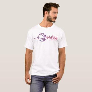 Le T-shirt des hommes de battement de basket-ball