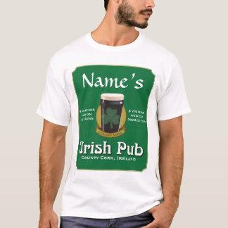 Le T-shirt des hommes irlandais de Pub
