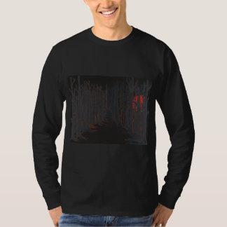le T-shirt des hommes longtemps gainés de lune de