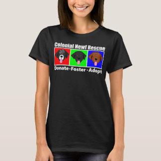 Le T-shirt foncé des femmes