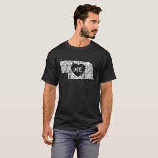 Le T-shirt foncé d'I d'amour du Nébraska des