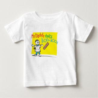 Le T-shirt infantile mon papa fixe des gaffes