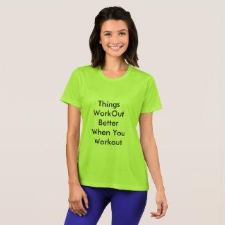 Le T-shirt pour décontracté et les sports portent