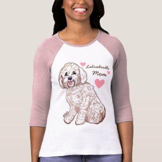 Le T-shirt raglan des femmes de maman de