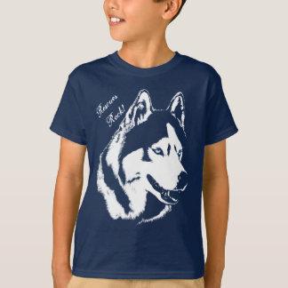 Le T-shirts enroué de la chemise de l'enfant de