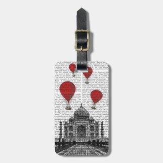 Le Taj Mahal et ballons à air d'un rouge ardent Étiquettes Bagages