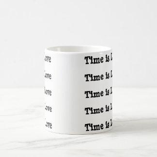 Le temps est tasse de café d'amour