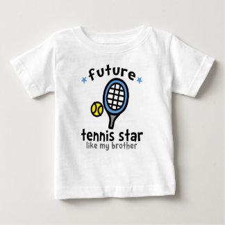 Le tennis aiment le frère t-shirt pour bébé