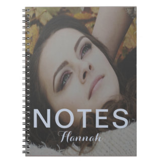 Le texte de notes bleues ajoutent le nom et le carnets à spirale
