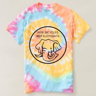Le tour va à vélo pas des éléphants t-shirt