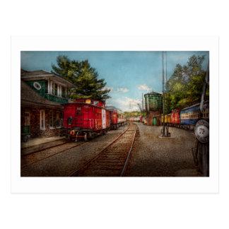 Le train - cambuse - des billets satisfont carte postale