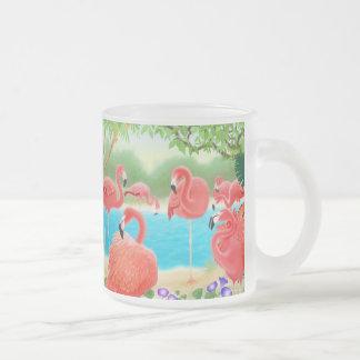 Le troupeau du verre de flamants attaquent mug en verre givré