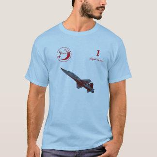 Le turc tient le premier rôle le T-shirt de NF-5B