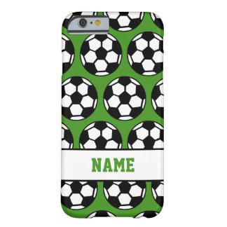 Le vert de ballon de football a personnalisé la coque iPhone 6 barely there