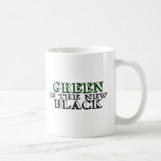 Le vert est le nouveau noir mug
