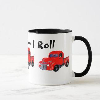 Le vieux camion rouge ceci est comment je roule mug