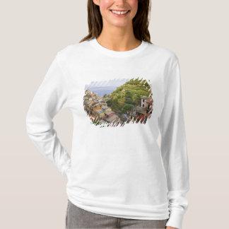 le village de flanc de coteau de Manarola-Cinque T-shirt