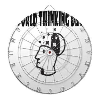 Le vingt-deuxième février - jour de pensée du jeux de fléchettes