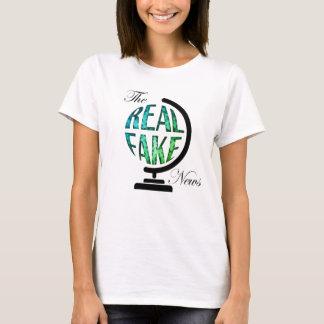 Le vrai faux globe de nouvelles t-shirt