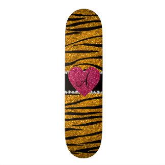 Le zèbre de scintillement d'or de monogramme barre skateoard personnalisé