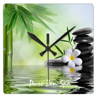 Le zen en bambou personnalisé lapide le Plumeria Horloge Carrée