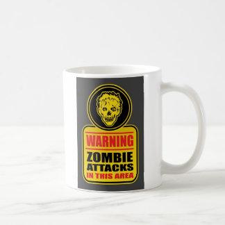 Le zombi d'avertissement attaque la tasse