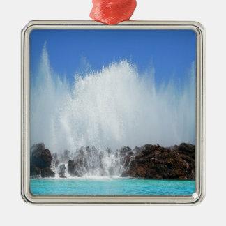 L'eau frappant des roches sur les Îles Canaries Ornement Carré Argenté