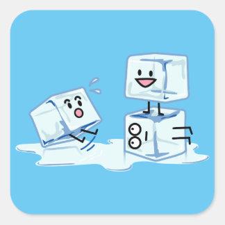 l'eau glaciale de cube en glaçons glissant le sticker carré