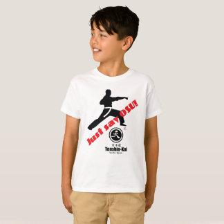 """L'enfant """"disent juste le T-shirt de karaté d'Osu"""