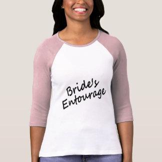 L'entourage de la jeune mariée t-shirts