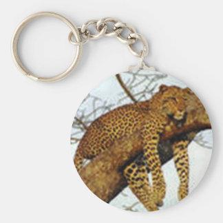Léopard paresseux dans un porte - clé d arbre porte-clef