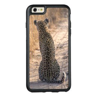 Léopard se reposant dans la route, Afrique Coque OtterBox iPhone 6 Et 6s Plus
