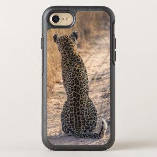 Léopard se reposant dans la route, Afrique Coque Otterbox Symmetry Pour iPhone 7