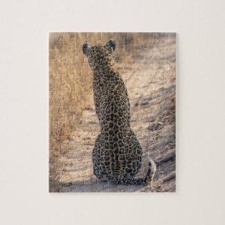 Léopard se reposant dans la route, Afrique Puzzle